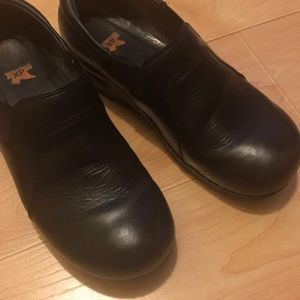 Dansko Shoes - Dansko clogs / work shoes